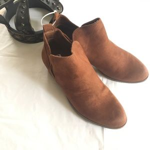 Sonoma Ankle Booties Size 9